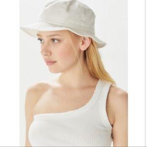 UO Chloe Canvas Bucket Hat in White NEW